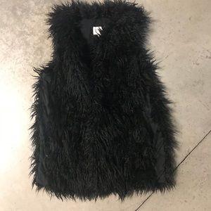 Forever21 Black Fur Sleeveless Vest Jacket Sz L